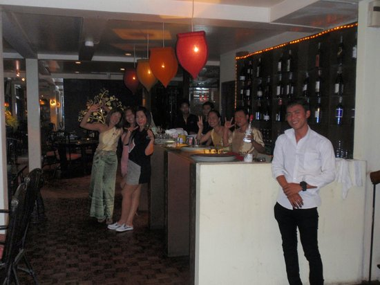 Kinnaree Gourmet Thai Restaurant & Bar: Kinnaree staff