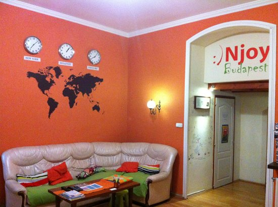 Njoy Budapest Hostel: Livingroom