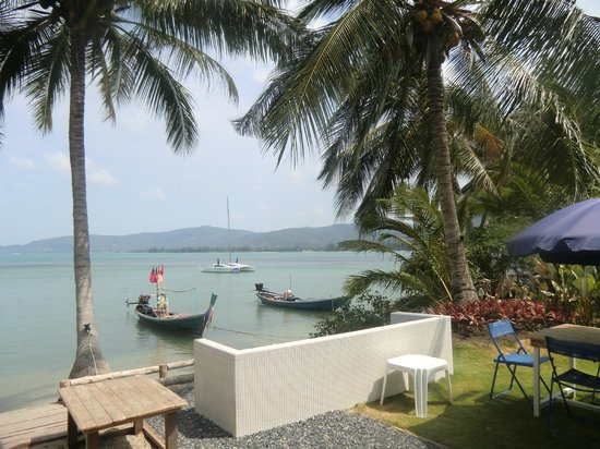 Lipa Noi, Thailand: The view from the Beach Club