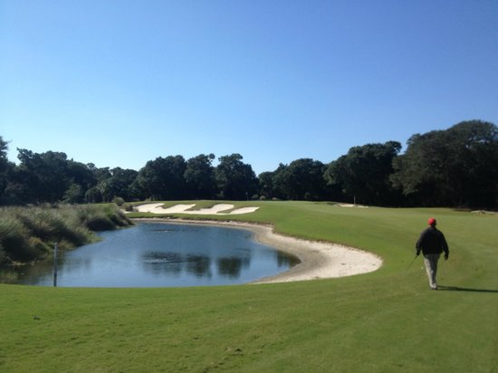 Bald Head Island Club: plenty of water on this course!
