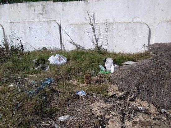 Hotel Movie Gate: Ein Müllberg reiht sich an den nächsten