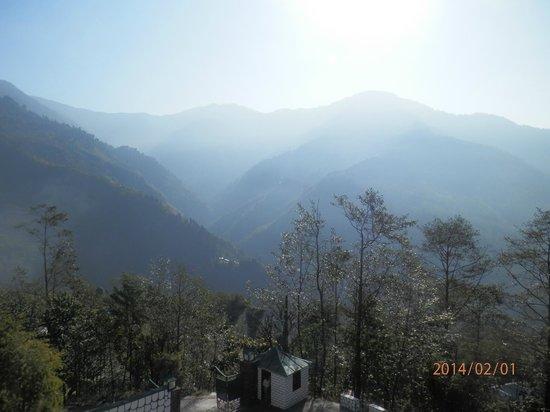 Club Mahindra Gangtok, Royal Demazong: Views from our room..