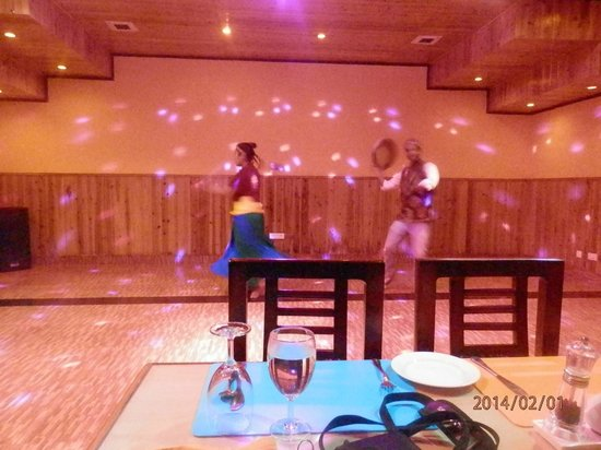 Club Mahindra Gangtok, Royal Demazong: Cultural evening in Dining area..