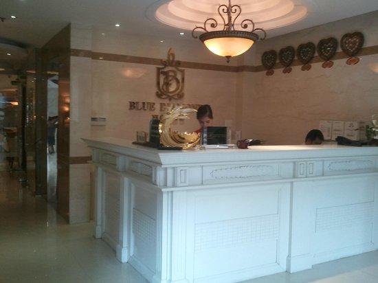 Blue Diamond Hotel: hall