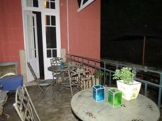 Whatever Art Bed & Breakfast : Outdoor Terrace- our last night at Whatever Art :(