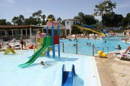 Camping Le Zagarella: outdoor pool