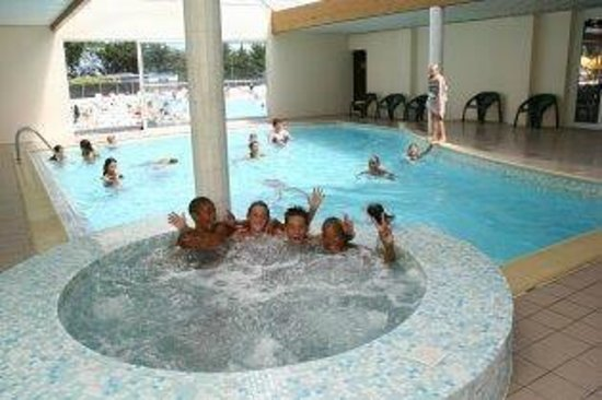 Camping Le Zagarella : jacuzzy indoor pool