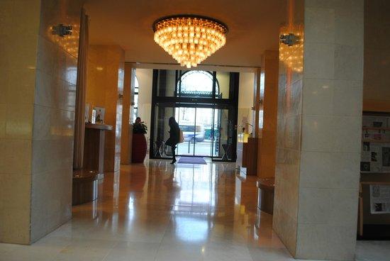 Citadines Saint-Germain-des-Pres Paris : hall entrada