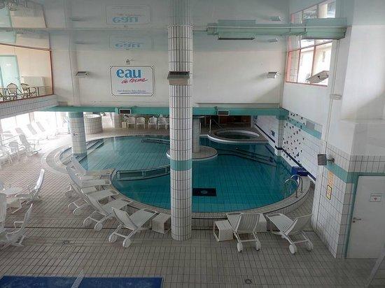 Le Clos Cerdan: Blick in das hoteleigene Bad