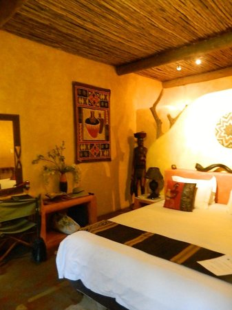 Kwalucia Private Safari Retreat: Lovely rooms well appointed with all you could need.