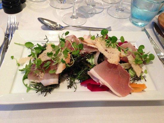 Hjerting Badehotel: Lækker salat med skinke fra den lokale slagter