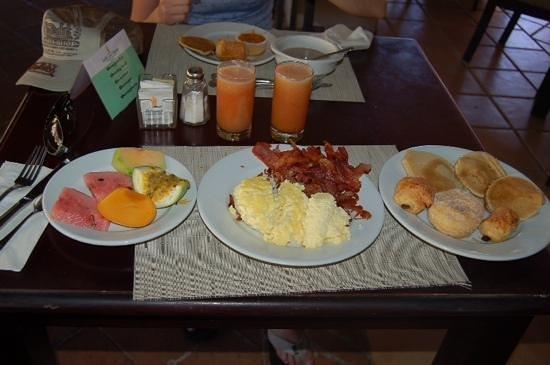 Tropical Princess Beach Resort & Spa : petit dejeuner