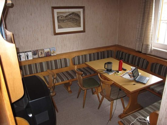Pension Cafe Wagrain: TV / Internet / Reading Room
