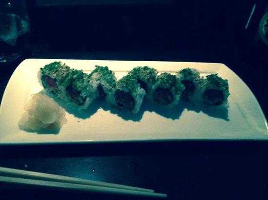 Sokyo: Spicy tuna rolls