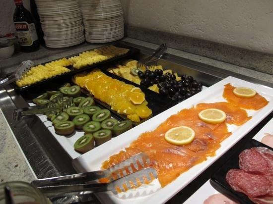 Schlosshotel Life & Style : breakfat buffet