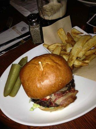 Darcy McGees: Hamburger