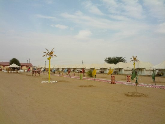 Mehar Adventure Safari Camp: View from the entrance