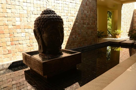 The Windflower Resort and Spa, Coorg: Spa lobby