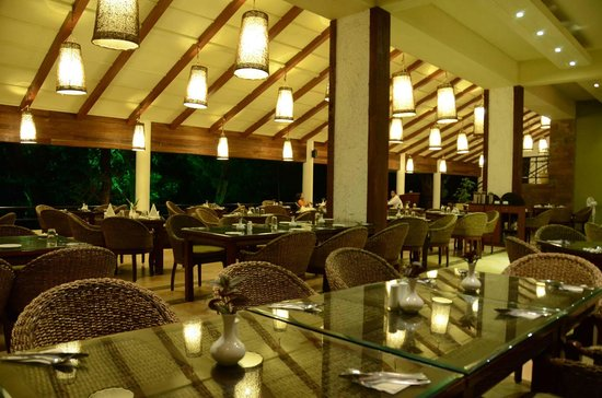 The Windflower Resort and Spa, Coorg: Restaurant