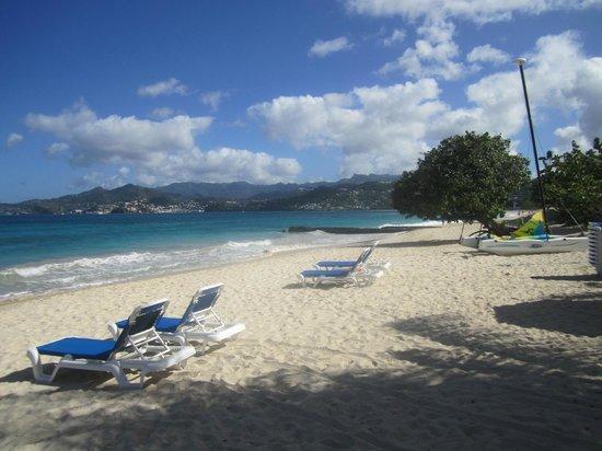 Mount Cinnamon Resort & Beach Club: The Grand Anse beach (resort area)