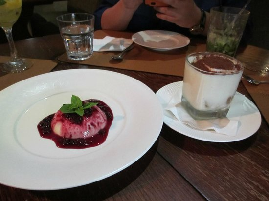Il Bacaro: Panna Cotta and Tiramisu