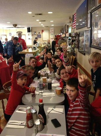 Garnerville, NY: NR Youth Hockey loves Sparky's
