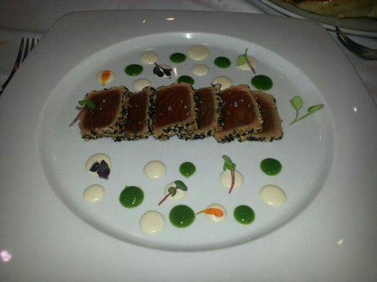 Restaurante La Despensa: Tataky de atún con ajo blanco de almendras