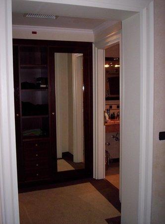 Hotel San Gallo Palace: closet