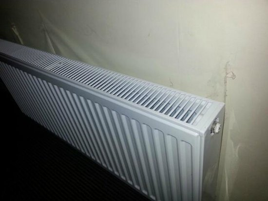 The Woolpack Inn: New radiator, but not decorated afterwards