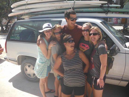 Mexican Caribbean Kitesurf & Paddlesurf: Mauricio with the girls