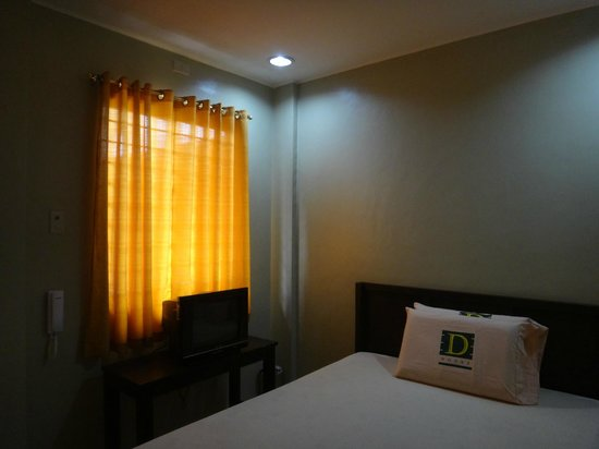 D House: Clean Rooms and Very Affordable Rates!