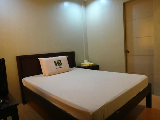 D House: Clean Rooms and Very Affordable Rates...Free WIFI :)