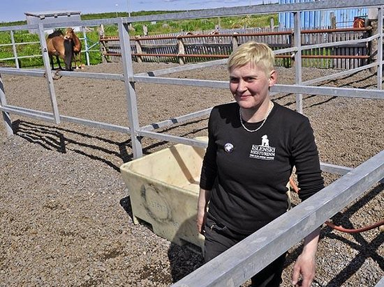 Islenski Hesturinn, The Icelandic Horse - Riding Tours: Inga, our fun, knowledgable, and compassionate (LOL) guide