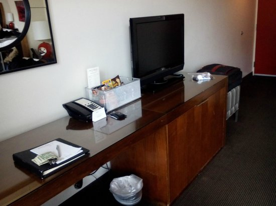 Hotel Modera: TV