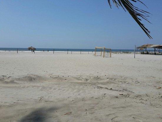 Hotel Pacific Paradise: Aca entrena la seleccion de football playa de El Salvador ESA