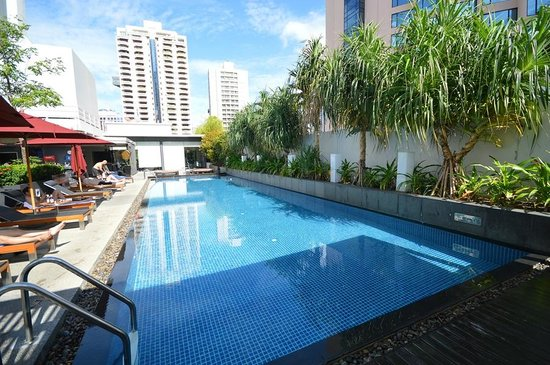 Rooftop Swimming Pool Picture Of Park Plaza Bangkok Soi