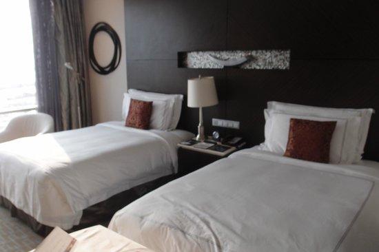 InterContinental Hotel Qingdao: 룸
