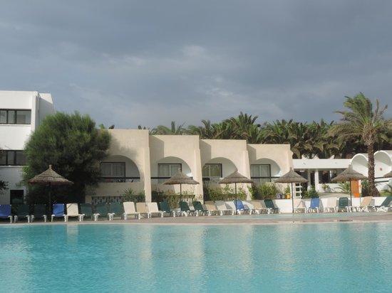 Club Marmara Hammamet Beach : Piscine/chambres