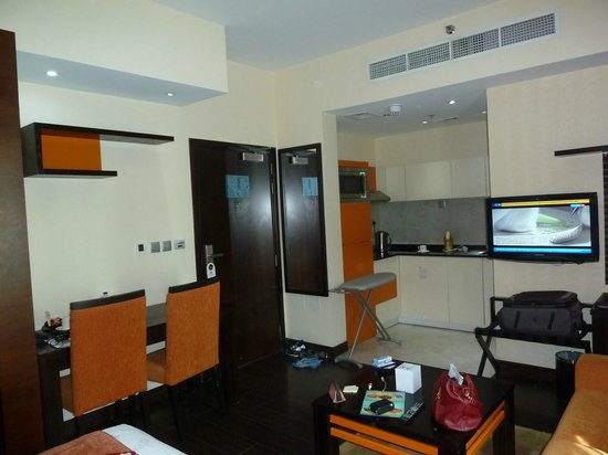 Marina View Hotel Apartments: номер (часть - кухня)