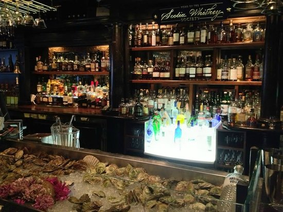 The Press Gang Restaurant & Oyster Bar : A view of the bar at Press Gang, including the oysters.