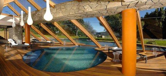 Rochester Hotel Bariloche: Pileta Interno e Externa ambas climatizadas