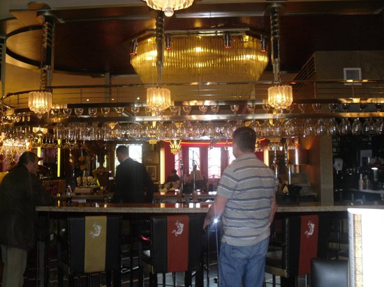 The Earl of Doncaster: Bar area