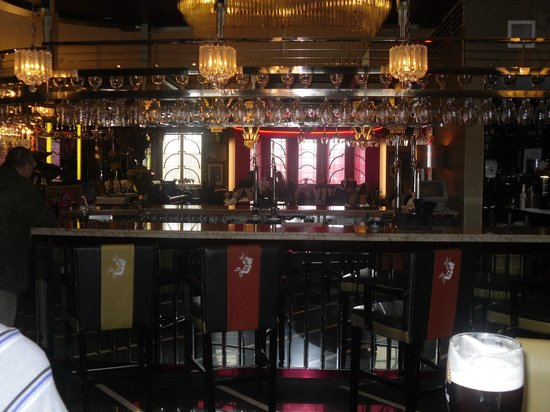 The Earl of Doncaster: Bar