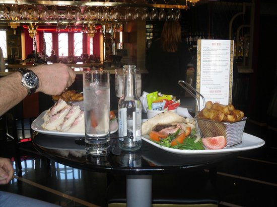 The Earl of Doncaster: Yummy lunch
