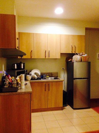 One Pacific Place Serviced Residences: Kitchenette