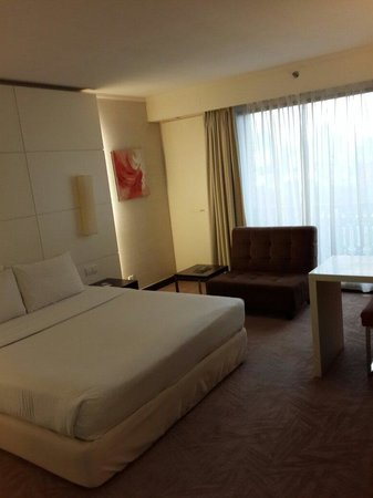 Seri Pacific Hotel : Our room