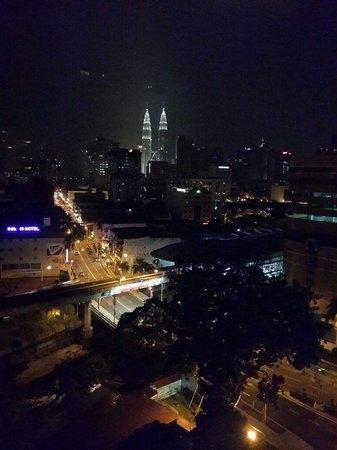 Seri Pacific Hotel : Petronas view at night