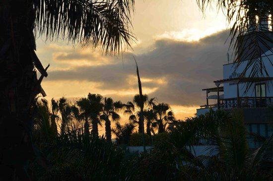 Princesa Yaiza Suite Hotel Resort: sunset view from room