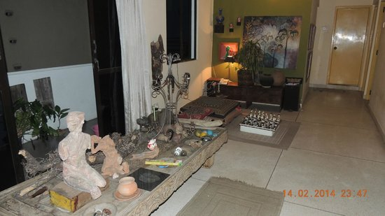 Mrs Padmini Nanayakkara's Chelsea Gardens: Salon n°1
