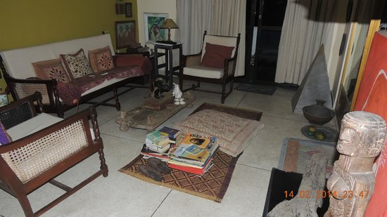 Mrs Padmini Nanayakkara's Chelsea Gardens: Salon n°2